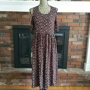 Gap cold shoulder dress with POCKETS!